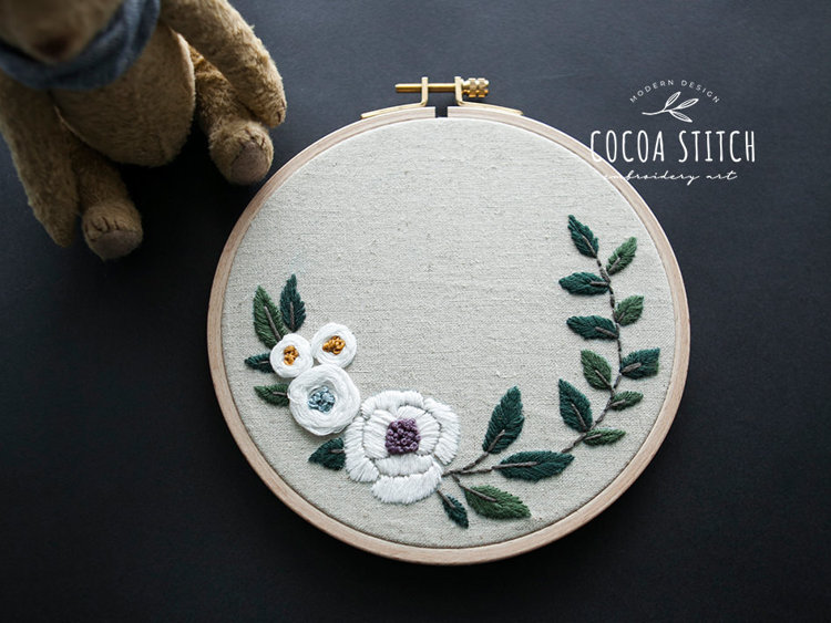 """Picture of 6"""", 7"""" White Flowers Embroidery PDF Pattern"""